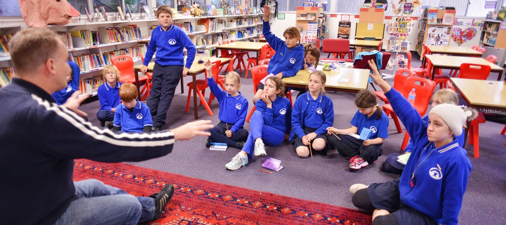 Program presenter Gavin Vance in a play building workshop at a Primary School in Sydney